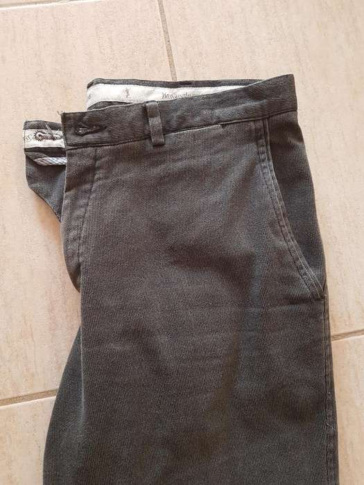 Pantalón Corderoy Yves Saint Laurent