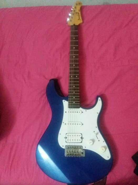 Vendo Guitarra Yahama Pacifica Y Ampli