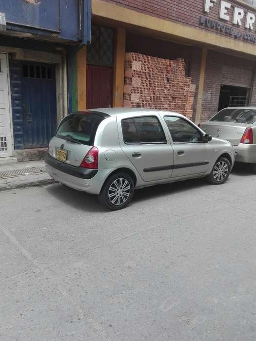 Renault Clio  2008 - 135000 km