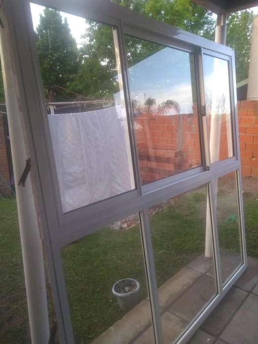 Ventanal de aluminio blanco 2x2 m