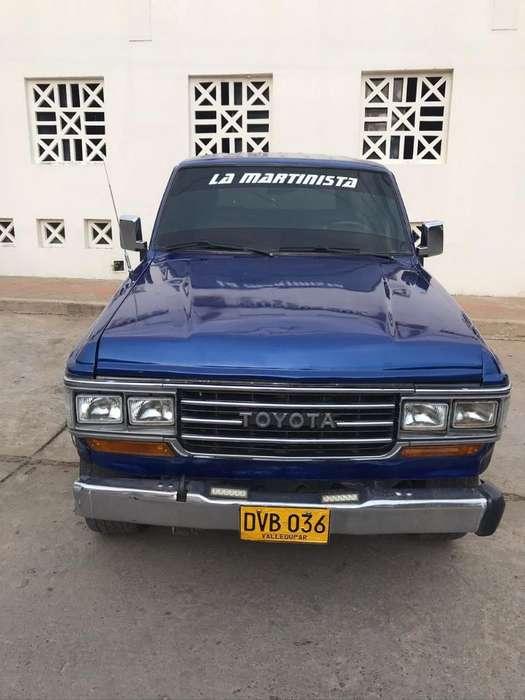 Toyota Samurai 1985 - 300000 km