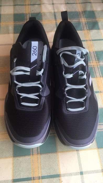 5cd2b3ac Los mejores zapatos: Ropa y Calzado en venta en Ibarra | OLX