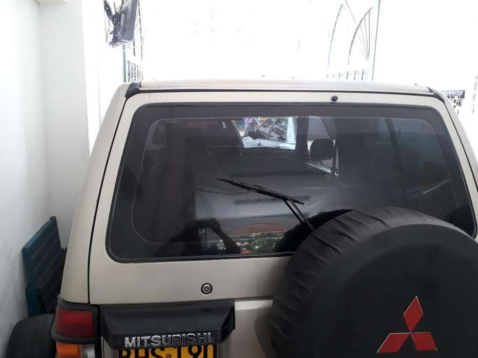 <strong>mitsubishi</strong> Montero 1997 - 220000 km