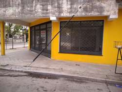 Alquilo Amplio Local Comercial