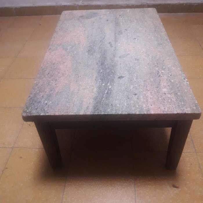 Mesa Ratonera con Piedra de Marmol