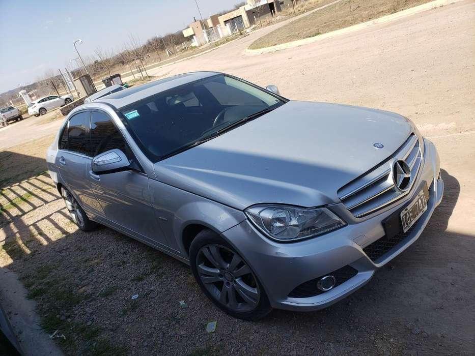 Mercedes-Benz 220 2009 - 0 km