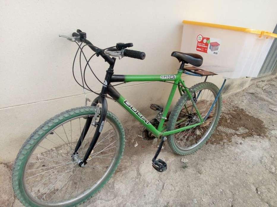 Vendo Bicicleta con Caja Plástica