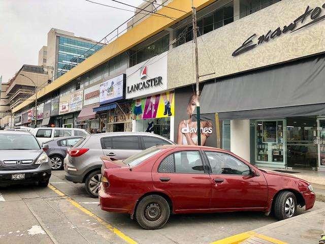 Alquilo Local Comercial Area 111.27 m2 Chacarilla Santiago de Surco