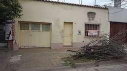 VENDO CASA A RECICLAR JUJUY 321 -VILLA CONSTITUCION- GARAGE 2 DORMITORIOS BANO PATIO 3*5-