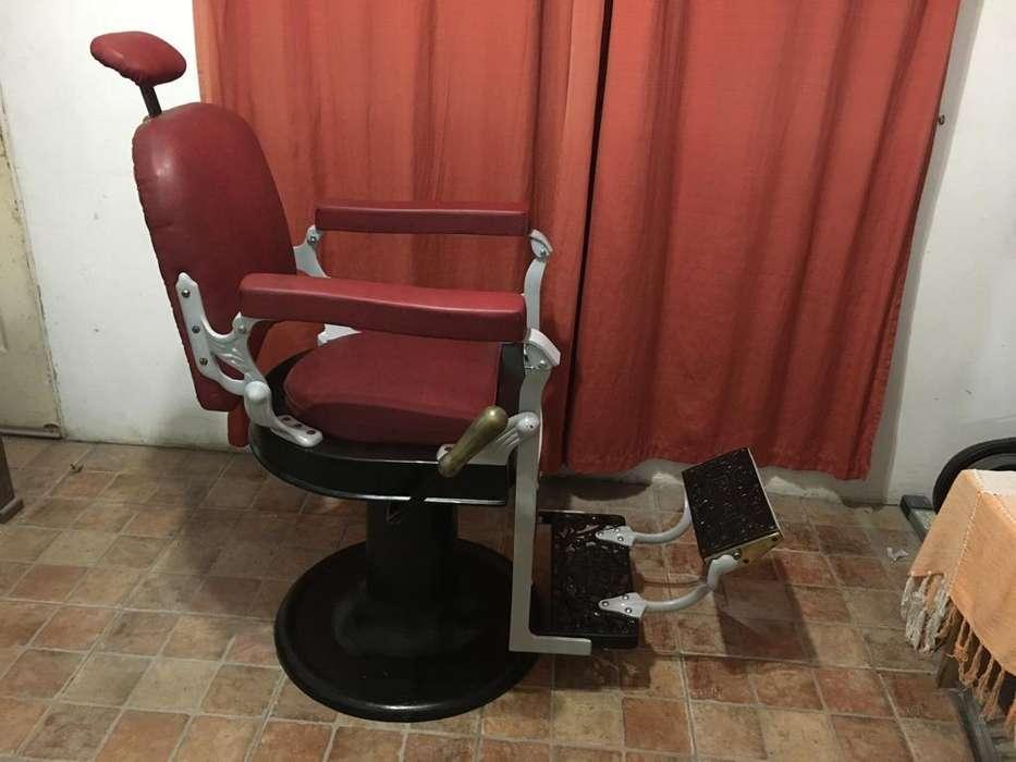 Sillon barbero pozzoli restaurado
