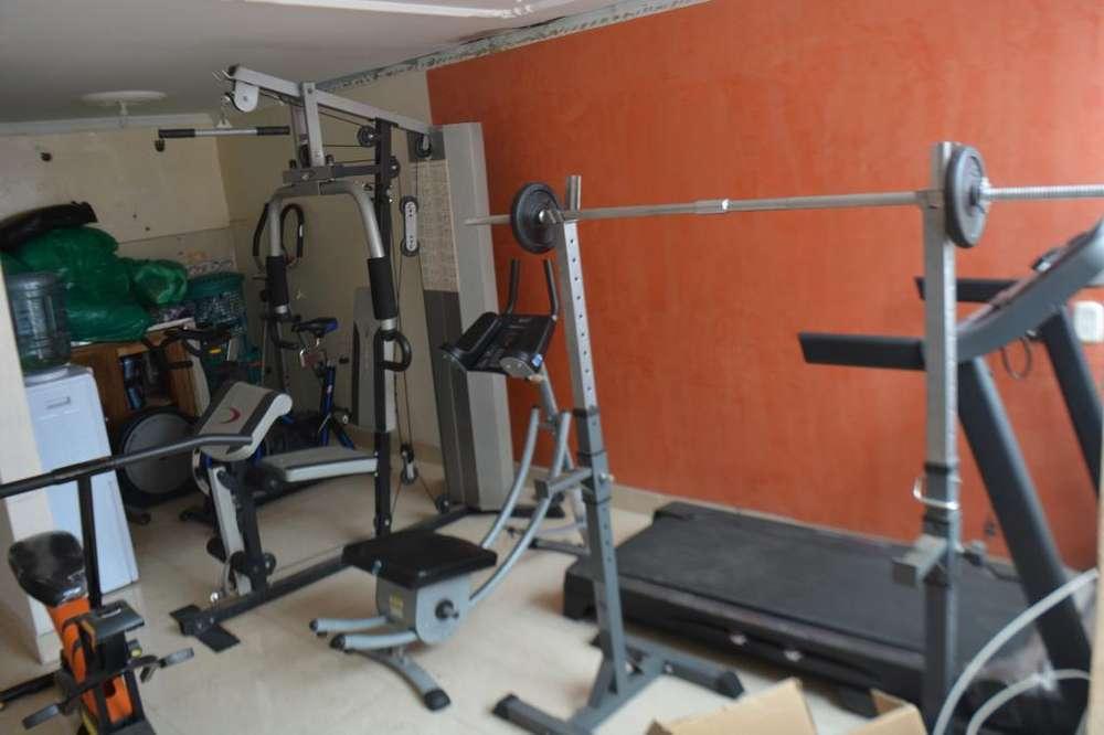 Completo kit de gimnacio profesional , caminadora, kit de pesas, abdominales, spinning,