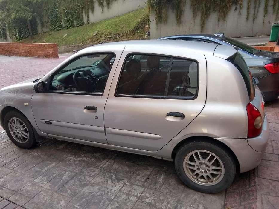 Renault Clio  2006 - 112500 km