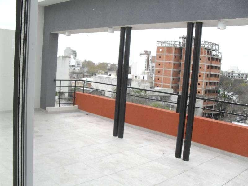 ALQUILER TEMPORARIO DEPTO, NVO. EXCELENTE UBICACION en la calle 63 e 3 y 4 , PARA 3 – 4 PERSONAS 1 DORM