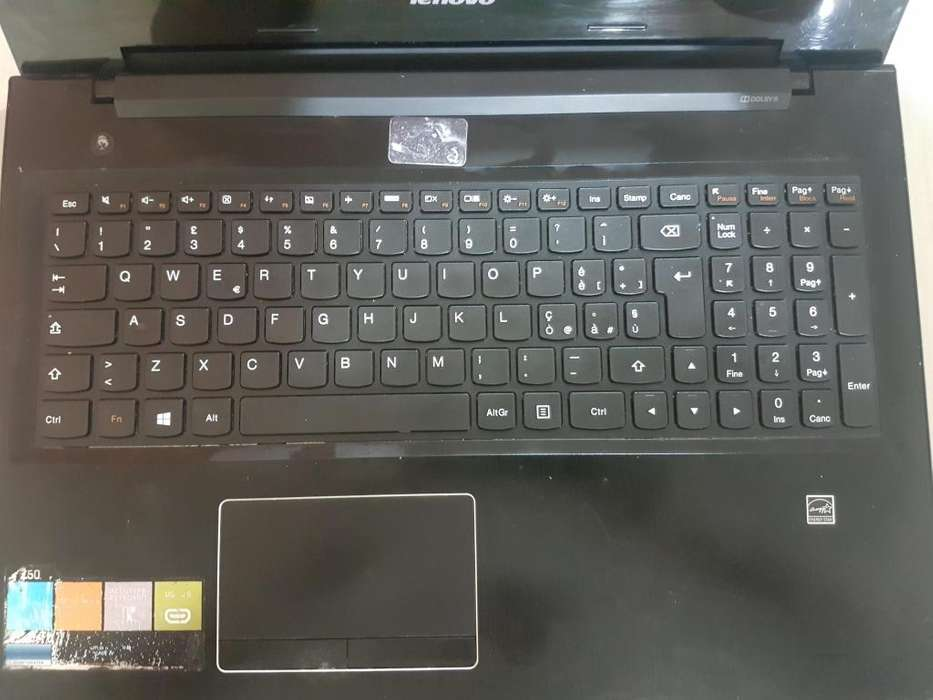 Lapto Lenovo Enciende Pero Pantalla me sale en Negro INTERESADOS