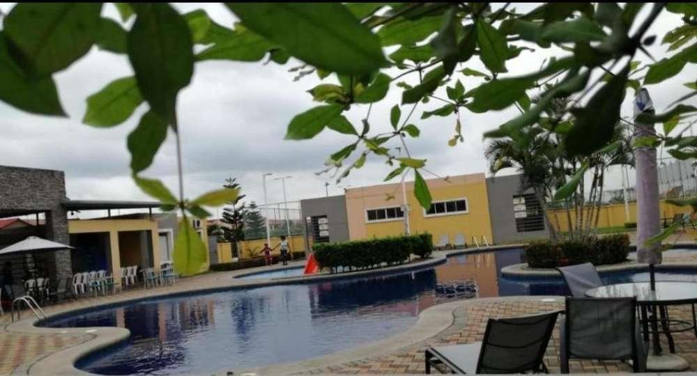 Venta de Casa en Urb. Villa Club, Etapa Jupiter, Aurora, cerca del C.C Mix Center