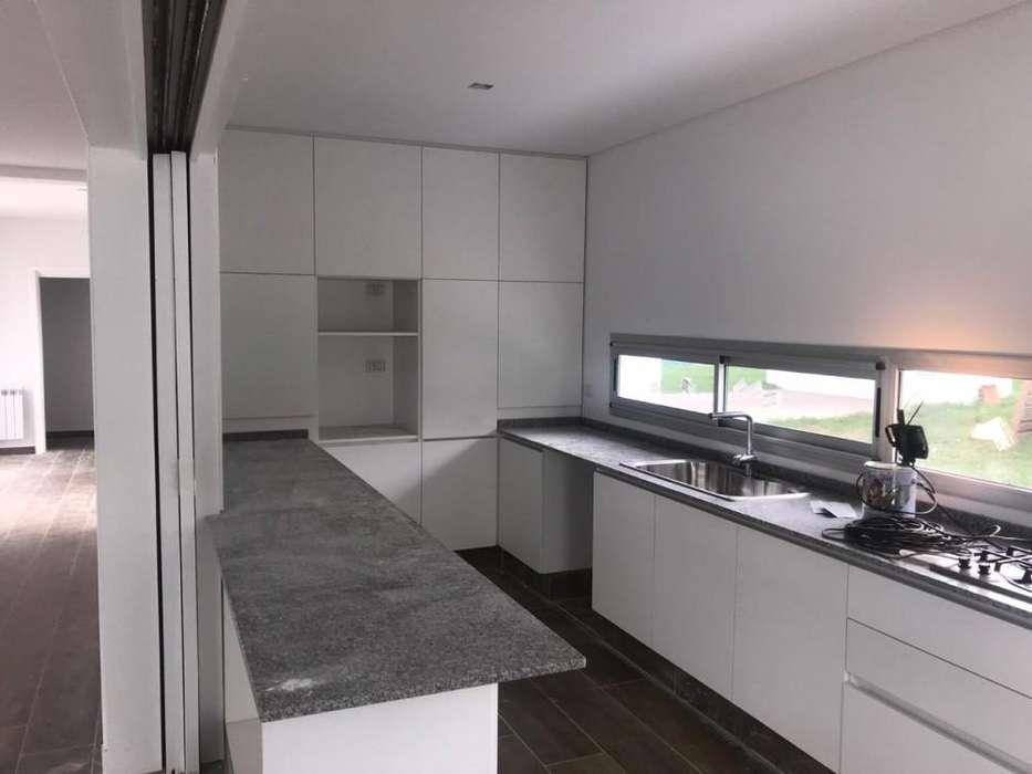 Casa en venta, <strong>chacra</strong>s de la Villa, Las Perdices 700