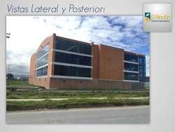 Bodega/Edificio de 3180m2 y 4 pisos en Parque Industrial en Siberia.
