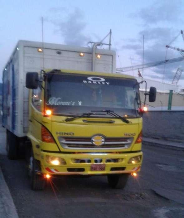 Se vende camion 50000 dolares negociables