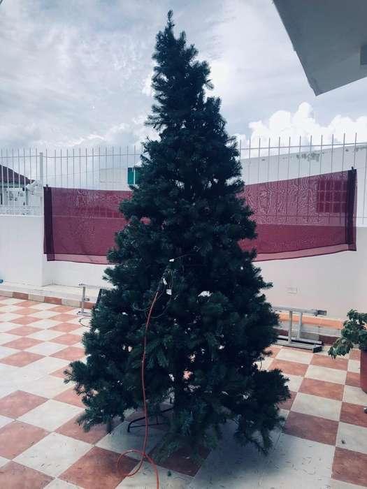Vendo Arbol de Navidad con Adornos