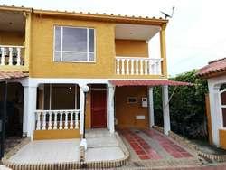 Casa En Venta En Ibague Conjunto Cerrado Rincon Del Campestre Cod. VBPAI11199