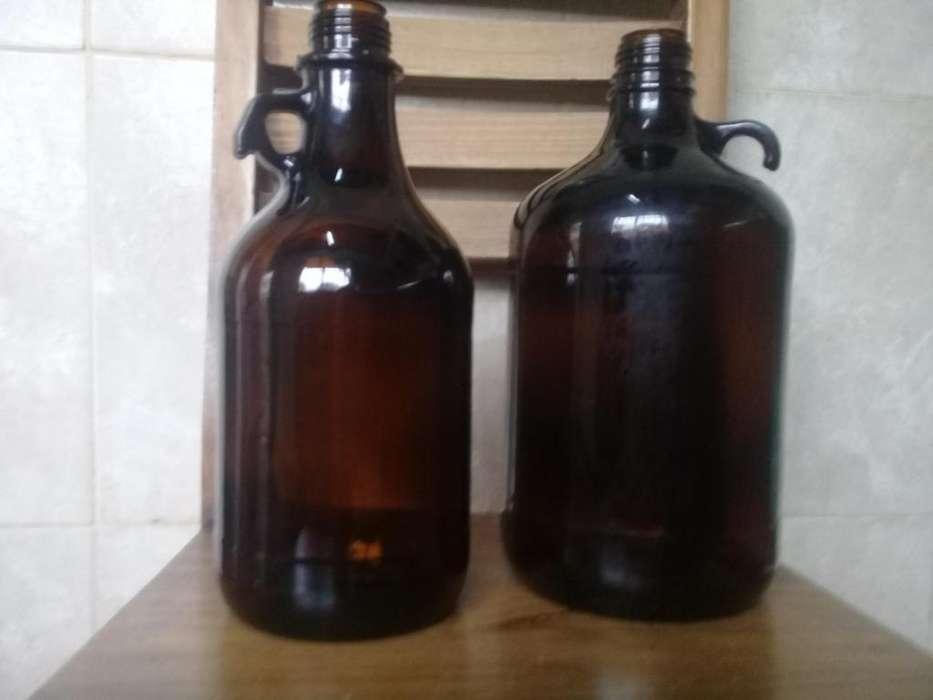 Bidones y botellas antiguas exelentes