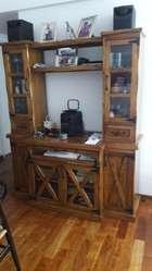 Mesa con 4 Sillas Y Mueble Cristalero Pa
