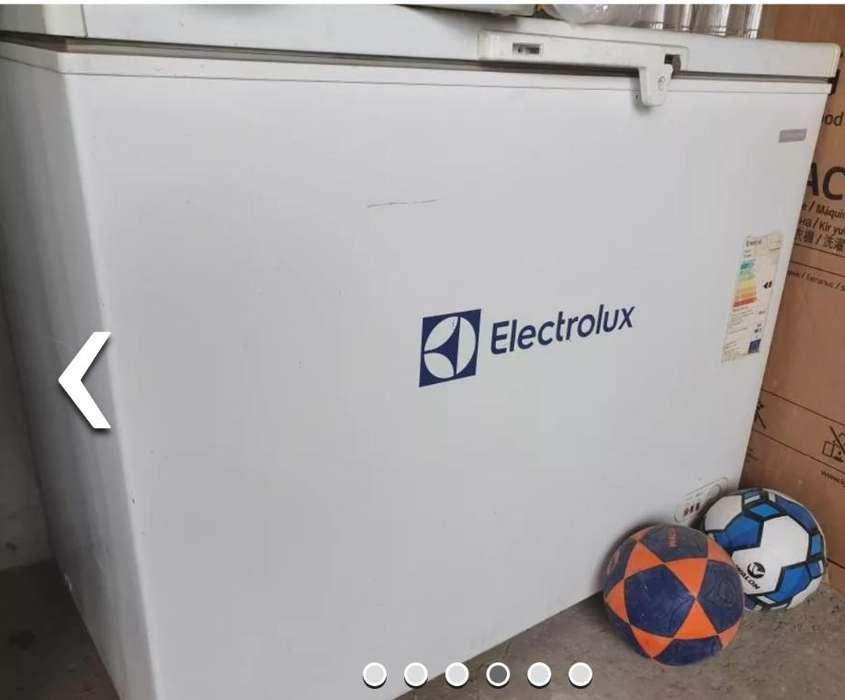 Vendo cocina mesa lavadero doble acero y congelador 01 mes de uso