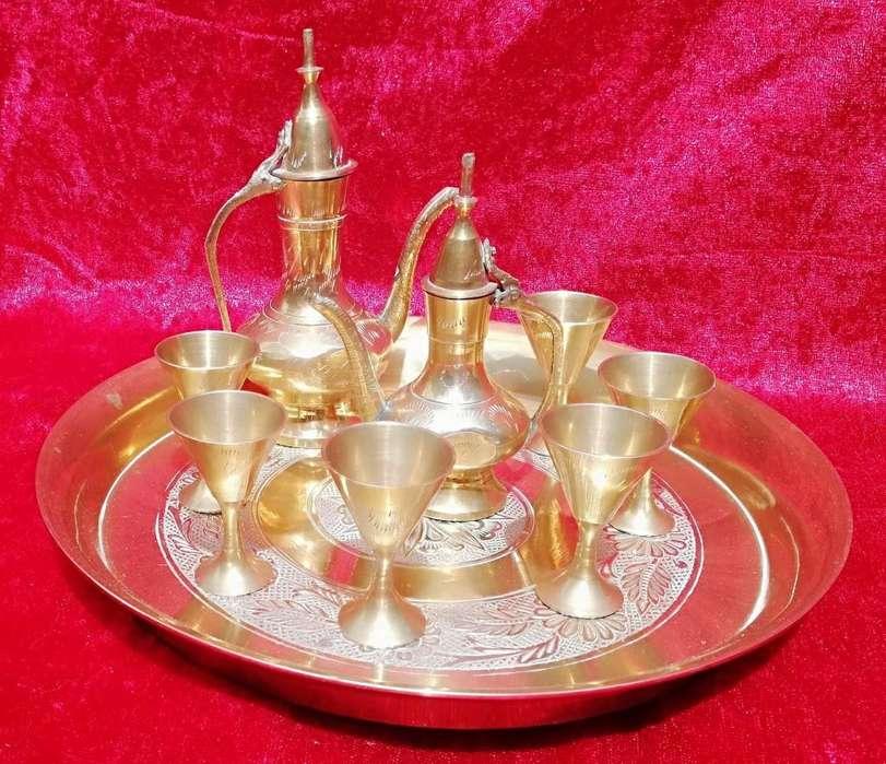 Antiguo juego de te de Turquia de bronce macizo en miniatura