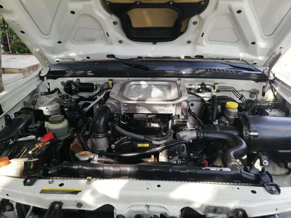 Nissan Frontier 2011 - 120000 km