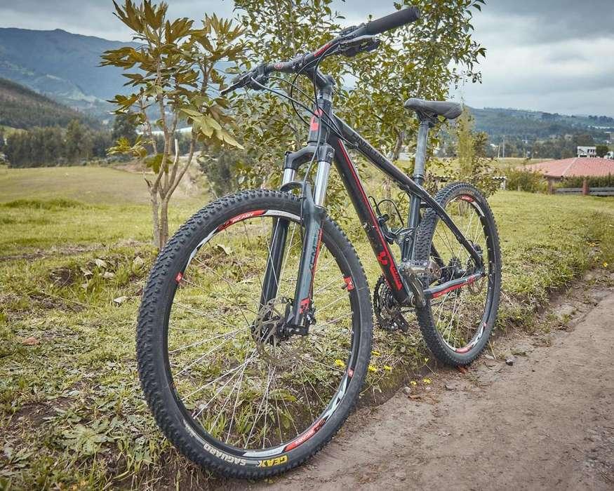 Bicicleta Cube de Montaña Competition Line
