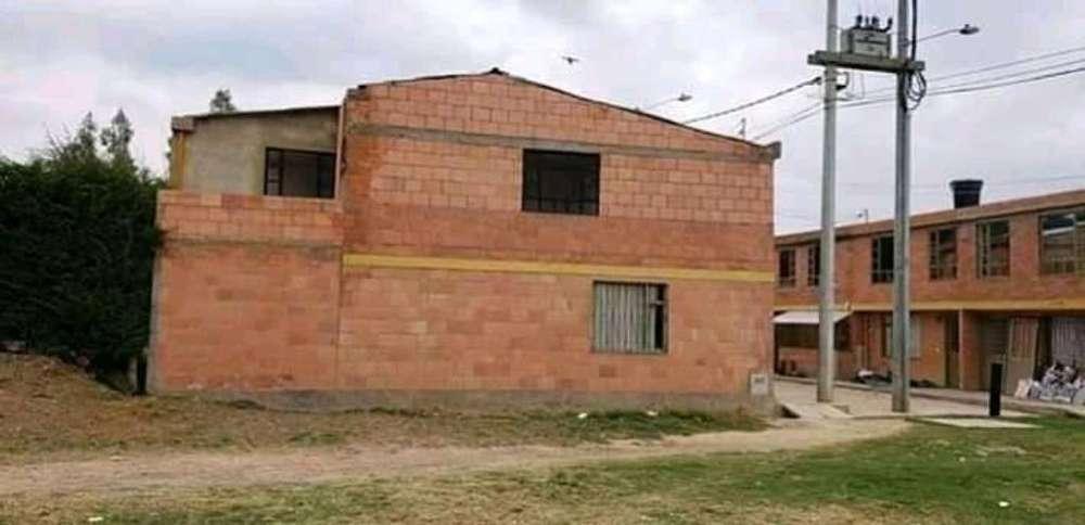 Se Vende Casa Esquinera en Centro Suesca