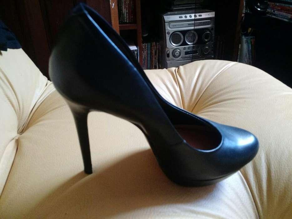 Via Uno Zapatos de Cuero Nuevos