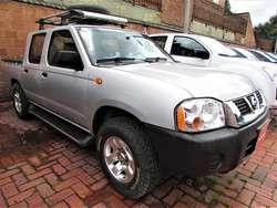 Nissan NP300 DC GNV Mec 2,4 Gasolina 4x2