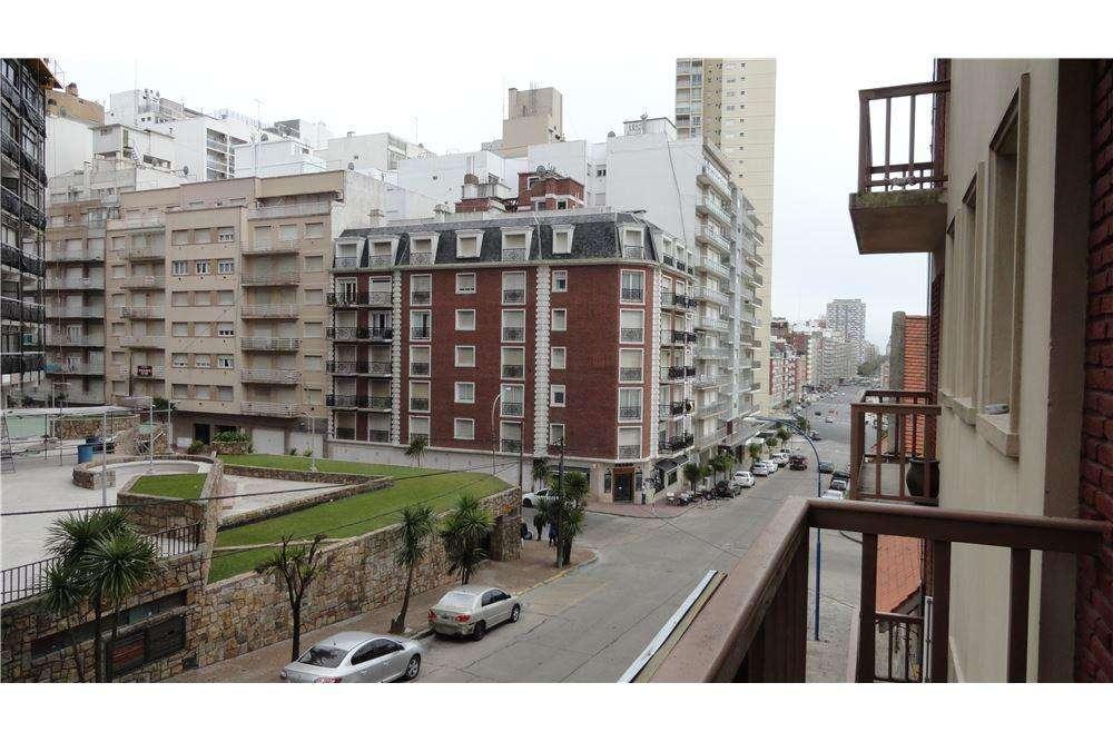 Venta Monoambiente al frente con balcón