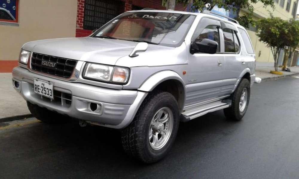Toyota Hilux 1999 - 2000 km