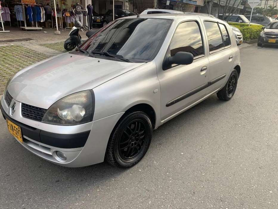 Renault Clio  2005 - 145000 km