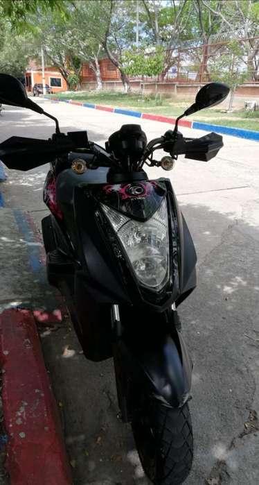 Vendo Moto Varata
