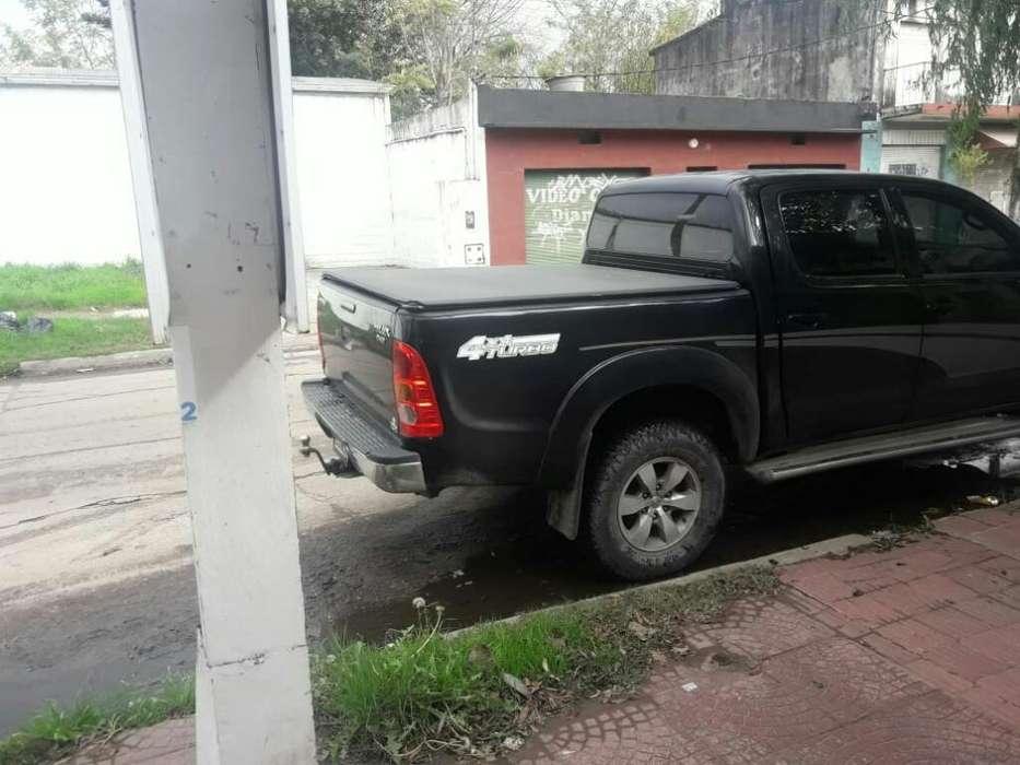 Toyota Hilux 2007 - 2000 km
