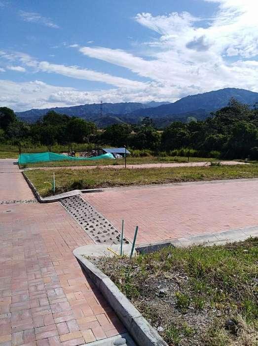 VENDO LOTES EN CONJUNTO CERRADO ALTOS DE LA CAROLINA