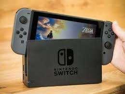 Vendo Nintendo Switch con dos controles dos juegos y estuche.