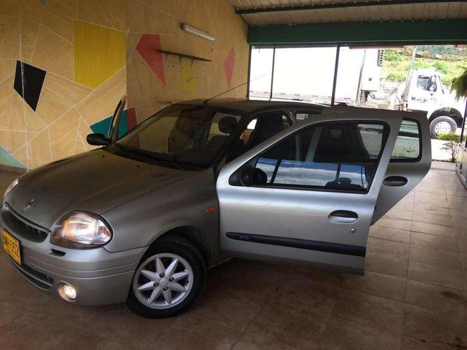 Renault Clio  2002 - 143799 km