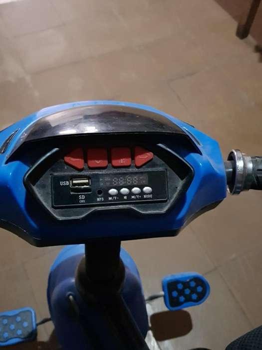 Triciclo para Bb con Usb Y Radio Fm