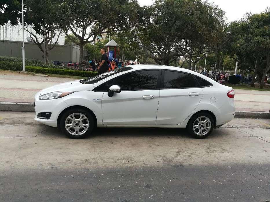 Ford Fiesta  2015 - 70965 km
