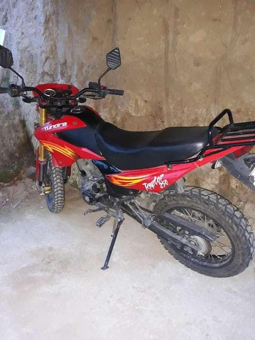 Vendo Tundra 250 Como Nueva