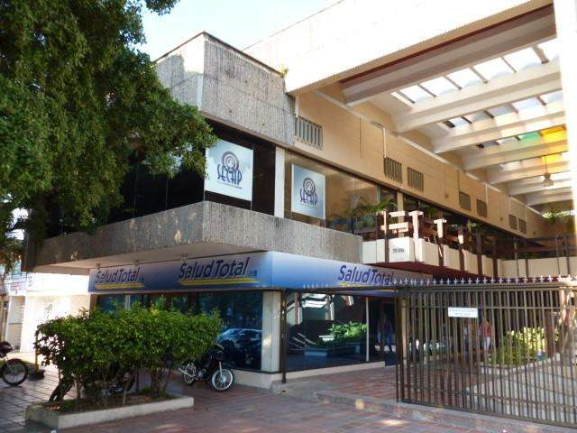EXCELENTE OFICINA UBICADA EN BUEN SECTOR DE LA CIUDAD ALTO PRADO