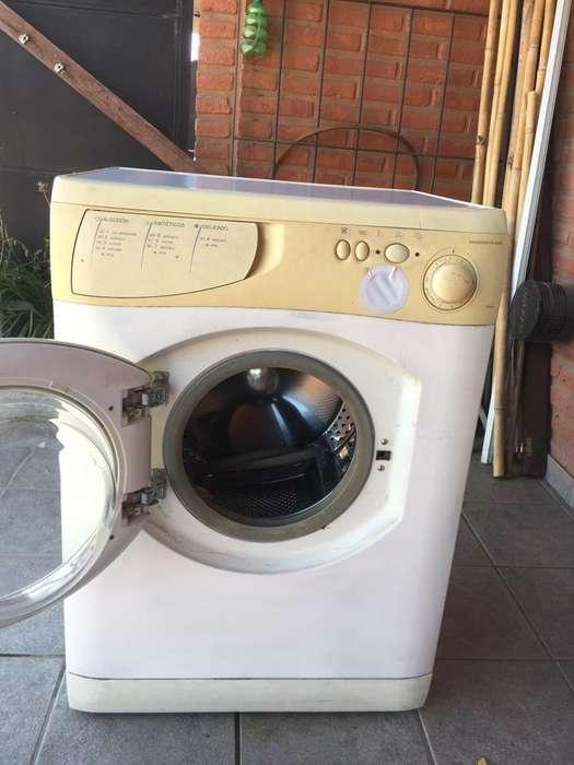 Lavarropas Automatico excelente estado.