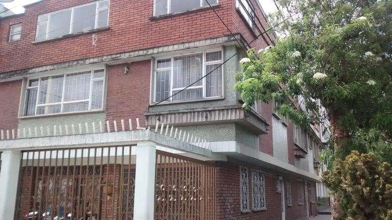 Casa En Venta En Bogota Santa Isabel Cod. VBBRE1769