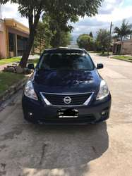 Vendo Nissan Versa impecable