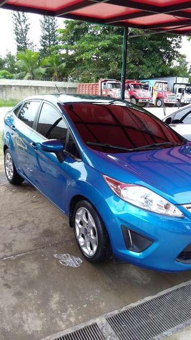 <strong>ford</strong> Fiesta  2013 - 45000 km
