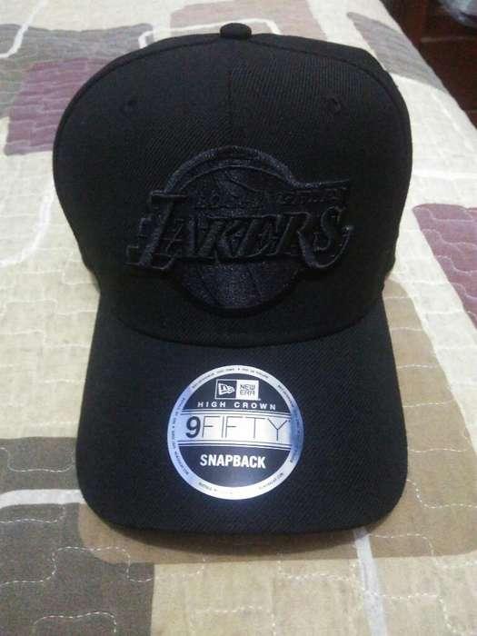 5fef248c037d Vendo gorras: Ropa y Calzado en venta en Perú   OLX P-2